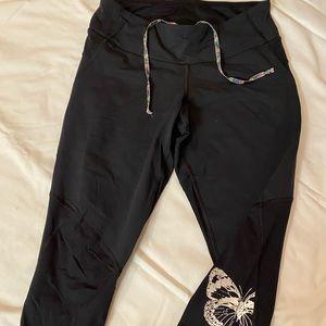 Lululemon black pants w/butterfly